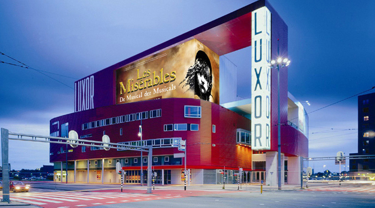 Leo-Mineur-MKB-14-Luxor-Theater-Les-Miserables